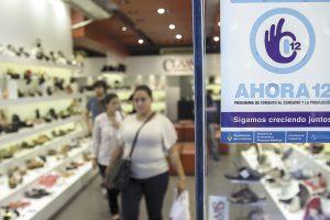 """zzzznacp2NOTICIAS ARGENTINAS BAIRES, MARZO 4: El programa oficial de  financiamiento al consumo Ahora 12 generó un """"cambio de tendencia"""" y el consumo creció tras meses de estancamiento, aseguró hoy el vocero de la CAME, Vicente Lourenzo.  Foto NA: DAMIAN DOPACIOzzzz"""