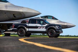Presentan camioneta con tecnología e innovación inspiradas en aeronaves de combate