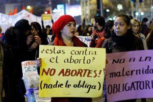 Bachelet promulgó la ley que despenaliza el aborto terapéutico en Chile