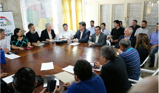 Paraguay: Formalizan alianza PLRA-Frente Guasu