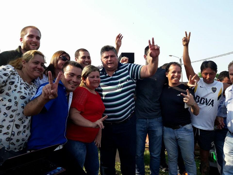 El candidato a Concejal, Hugo Arriola recorrió y charló con vecinos del barrio A-4 de Posadas