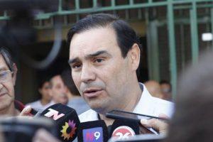 """El gobernador de Corrientes viaja mañana a Brasil a visitar una pastera: """"Tenemos que industrializar nuestra madera"""""""
