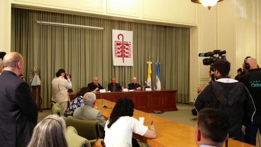 """Monseñor Ojea: """"Vamos a trabajar para que nadie quede excluido y por el diálogo"""""""