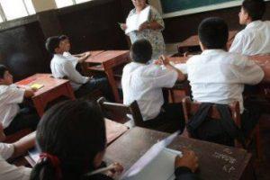 Más de 30.000 jóvenes y adultos buscan terminar la escuela primaria