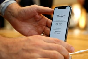 El iPhone X ya es un éxito y hace crecer las acciones de Apple