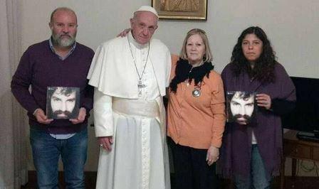 """El papa Francisco se reunió con la familia de Santiago Maldonado: """"Los acompaño en el reclamo de verdad y justicia"""""""
