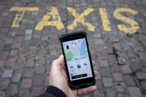 CABA con Taxis modo Uber: podrán ser pedidos por una App y deberán reemplazar el reloj por una tablet
