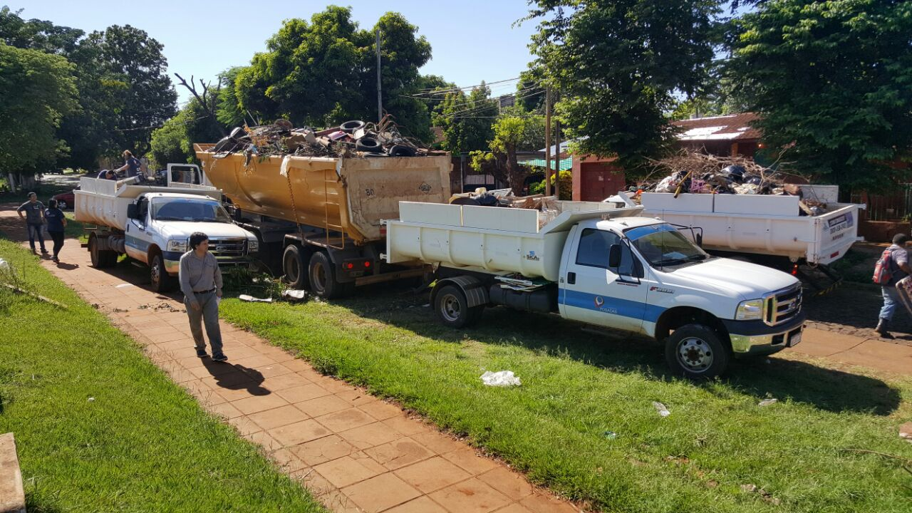 Operativos contra el Dengue: el primer día se juntaron más de 10 toneladas de cacharros en Posadas