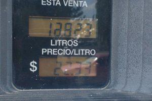 La última suba de las naftas acentúa las asimetrías internas en el valor del combustible