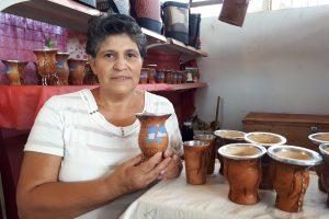 Emprendedora transformó el arte del cuero en su medio de vida
