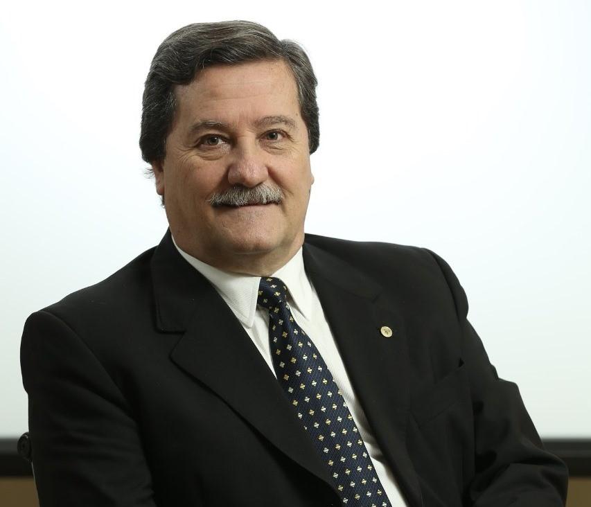 """Claudio Terrés, de la cámara de productores de papel y celulosa: """"Macri se ha dado cuenta de la posibilidad de desarrollar este sector"""""""
