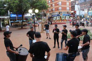 La previa de los Carnavales Posadeñosse vive a plano en la Plaza 9 de Julio
