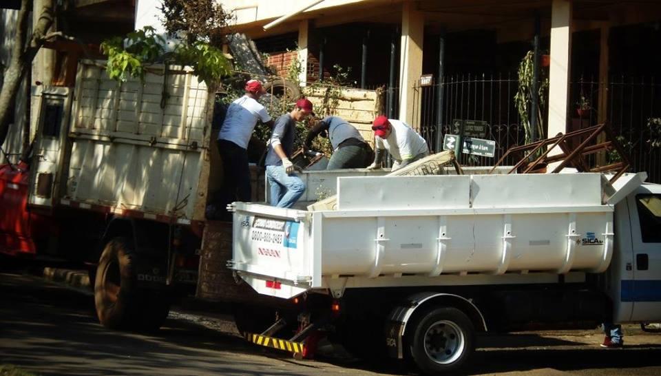 Dengue: retiran 15 cargas de cacharros en la Chacra 32-33 de Posadas