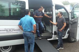Bernardo de Irigoyen recibió camioneta adaptada