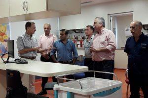 Passalacqua recorrió las nuevas instalaciones  del servicio de neonatología del sanatorio Boratti