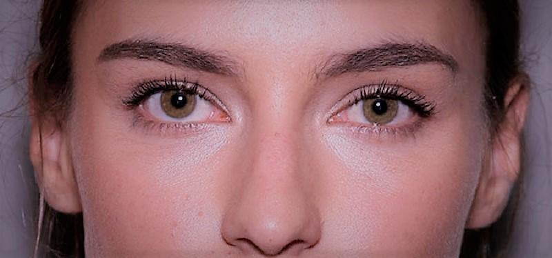 Consejos para cuidar los ojos del maquillaje