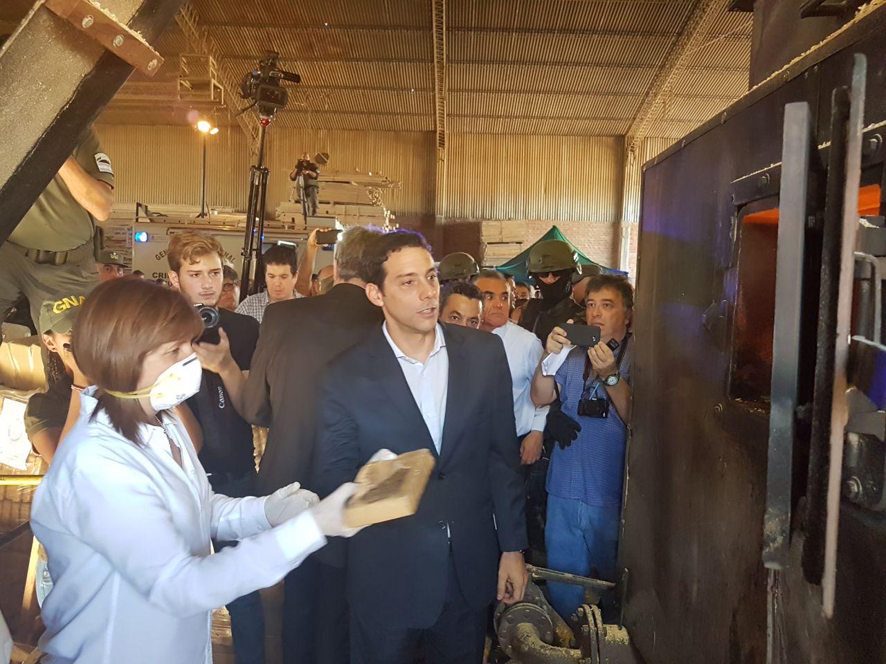 Argentina sin Narcotráfico: incineraron 20 toneladas de marihuana en Santiago de Liniers
