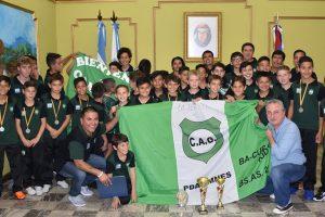 Los indiecitos del club Guacurarí fueron recibidos por el Gobernador