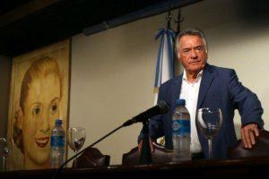 Barrionuevo asumió como interventor del PJ: «Las puertas del peronismo se abren en general»