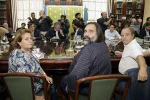 Los gremios docentes rechazaron la nueva oferta salarial de Vidal y convocaron a un paro