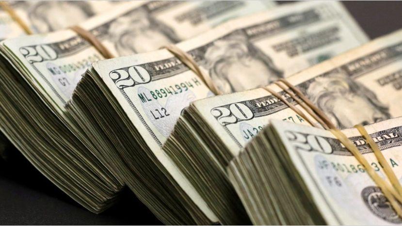 En las agencias de cambio de Posadas el dólar llega a valer 42 pesos