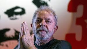 Máxima tensión en Brasil: venció el plazo para que Lula se entregue