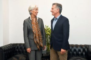 Argentina cerró préstamo con el FMI por 50 mil millones de dólares