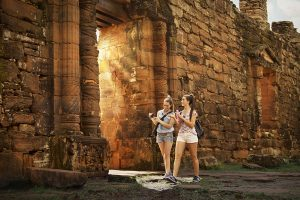 En el mejor fin de semana largo de la historia, viajaron 2,4 millones de turistas y las ventas crecieron 3,6%