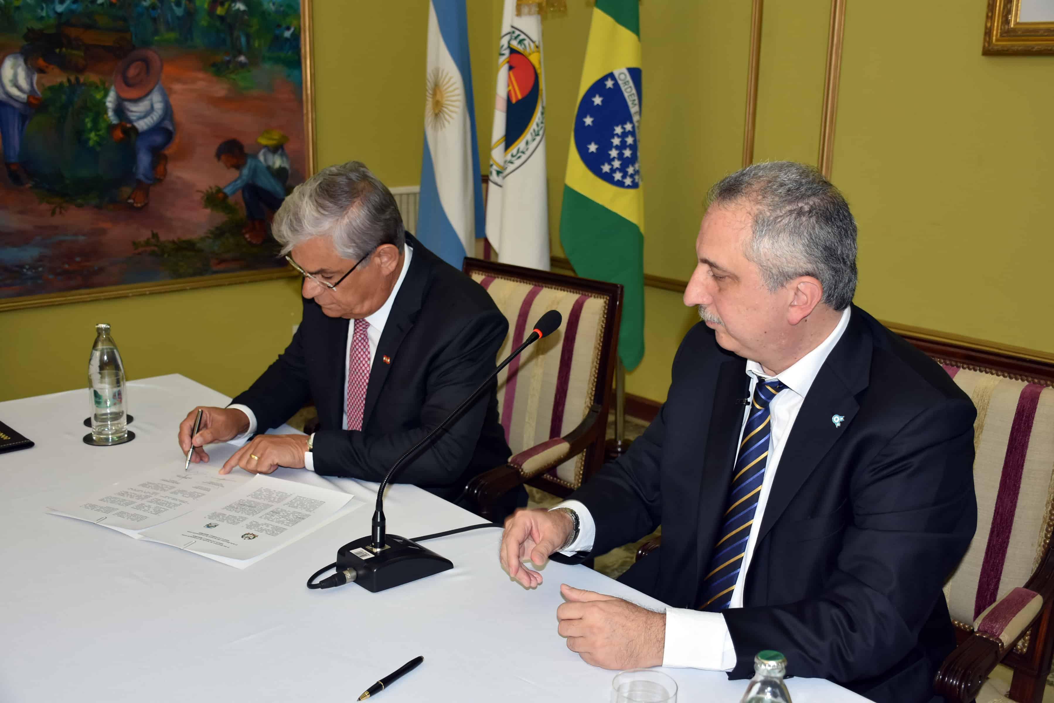 Misiones cerró varios acuerdos con el estado brasileño de Santa Catarina