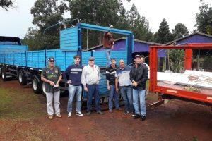 Productores tabacaleros de Aristóbulo del Valle y Campo Grande recibieron chapas para sus galpones