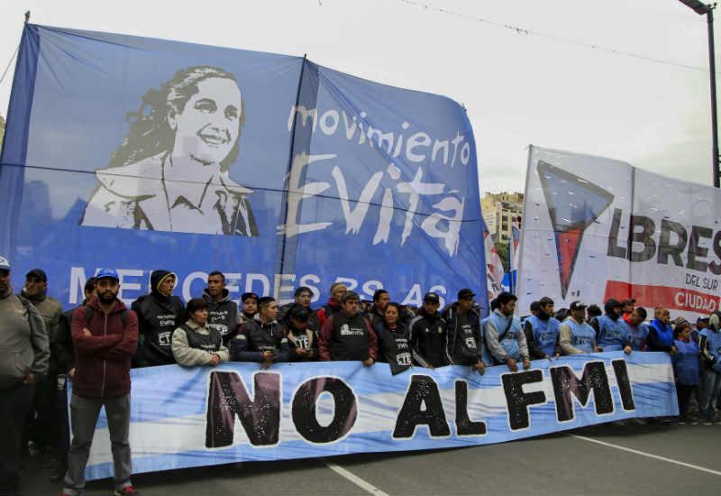 """""""No al FMI"""": Marchan a Plaza de Mayo"""