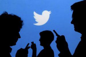 """La purga de seguidores """"truchos"""" en Twitter afectó a Mauricio Macri y Cristina Kirchner"""
