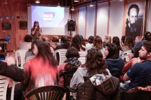 Estudiantes y vecinos disfrutaron de la primera proyecciónde «Cine en Quiroga»