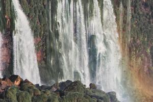 Influencers de Estados Unidos promocionaron las Cataratas del Iguazú