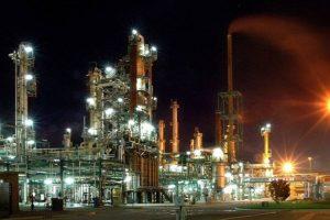 Una refinería comenzó con el cese de actividades y peligra el abastecimiento