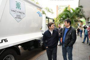 La EBY entregó un camión recolector deresiduos al municipio de Posadas