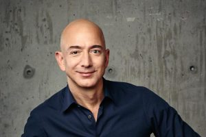 Amazon convierte a Bezos en el más rico mientras Slim pierde millones
