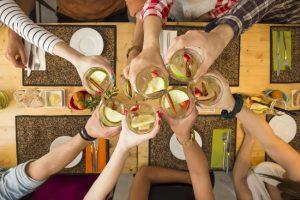 Día del Amigo: según CAME los festejos dejarán un gasto de $476 millones