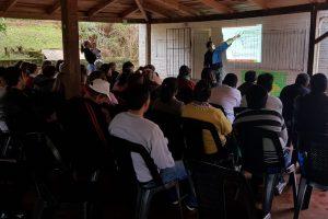 """Continúan las capacitaciones en """"buenas prácticas agrícolas"""""""