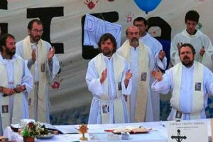 "Aval papal a 20 centros para mujeres con ""embarazos inesperados"""
