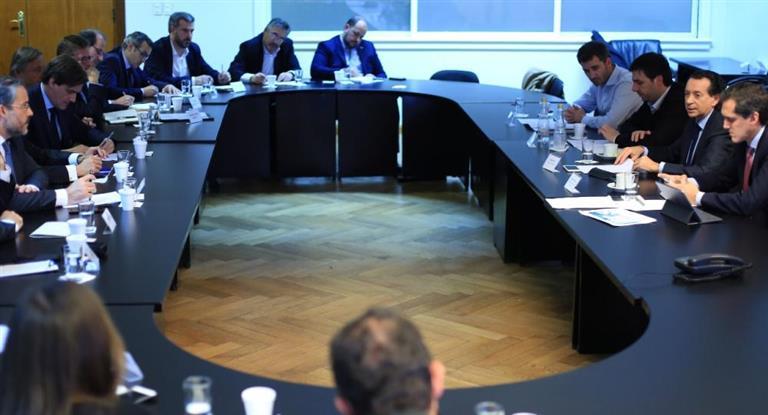 Sica se reunió con las autoridades de ADEFA y repasaron la agenda productiva