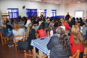Jornada de prevención del embarazo adolescente en Jardín América reunió a más de 300 asistentes