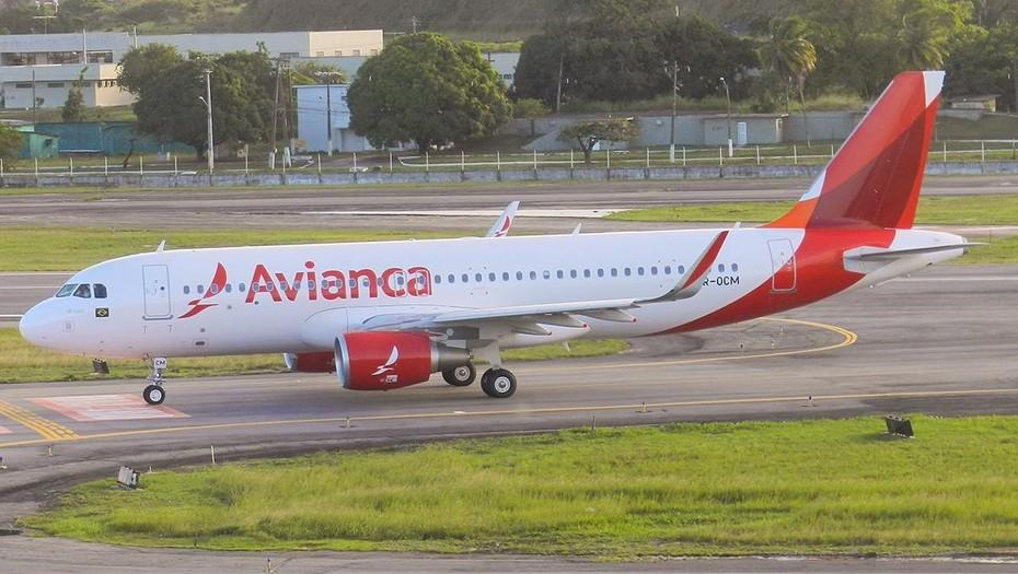 Avianca, una low cost que no levanta vuelo