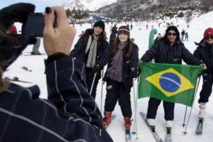 Por el dólar alto, llegan cada vez más turistas extranjeros con brasileños a la cabeza