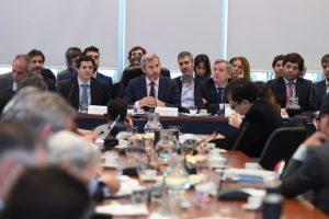 Presupuesto: Para Frigerio las provincias se harían cargo de la obra pública y transporte