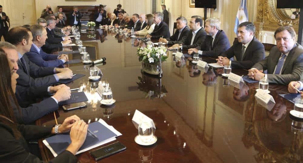 Presupuesto: Macri logró la foto de consenso político, ahora es el turno del Congreso