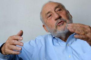 ¿Qué opina Joseph Stiglitz, premio Nobel de Economía, sobre la crisis de Argentina y lo que viene?