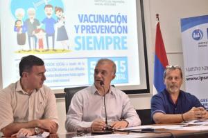 Misiones no recorta: presentaron plan de vacunación con presupuesto propio