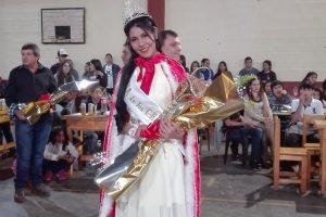 Andrea Coronel es la reina de la fiesta provincial del vendedor de chipa