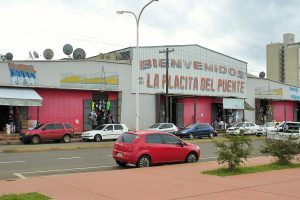 Caen 80 por ciento las ventas de vendedores ambulantes de Posadas